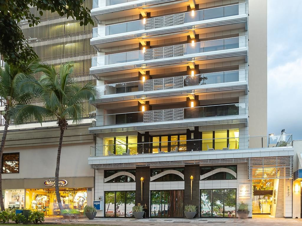 ESPACIO THE JEWEL OF WAIKIKI